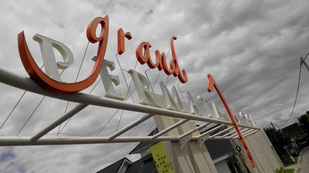 Gate Grand Permata Jingga