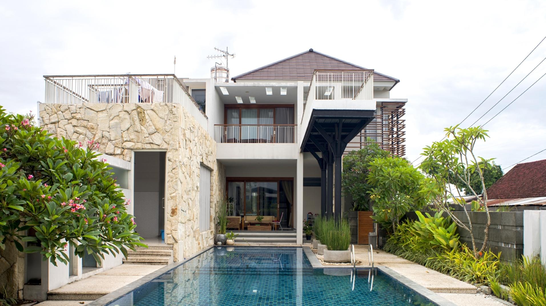 Rumah Tropis Hook